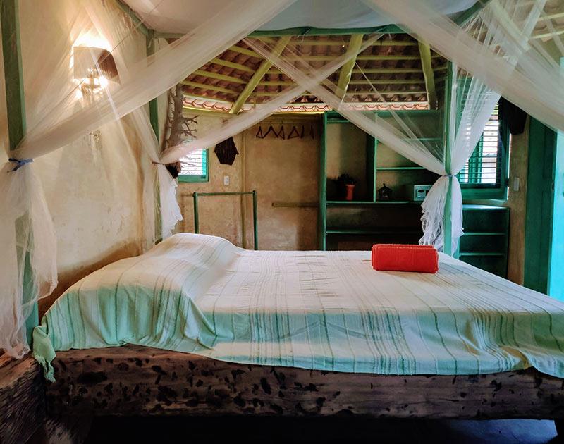 standard chalet double bedroom